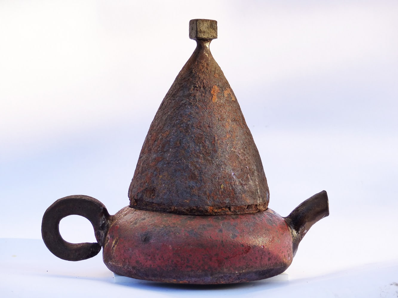 Chris-Kircher-Skulptur-aus-Stahl-Teekanne-1