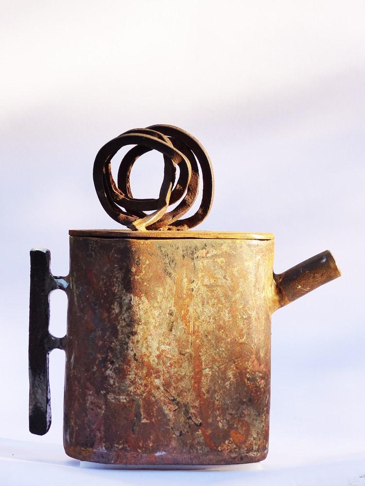 Chris-Kircher-Skulptur-aus-Stahl-Teekanne-3
