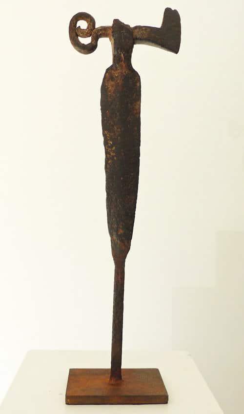 Chris-Kircher-Skulptur-aus-Stahl-die-Kriegerin