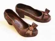 Chris Kircher, Schuhe aus Metallschrott,Tanzschuhe