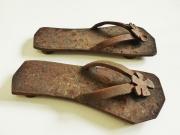 Chris Kircher, Schuhe aus Metallschrott, Flipflops