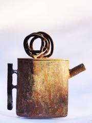 Chris Kircher, Skulptur aus Stahl, Teekanne 3